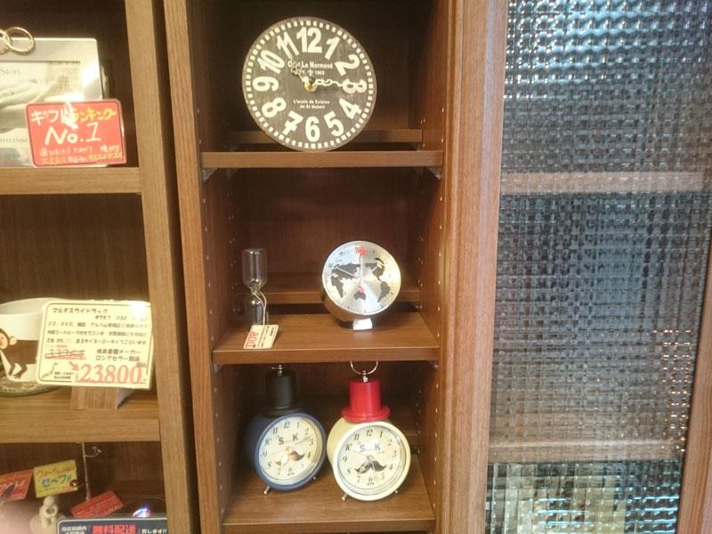 置き時計展示1