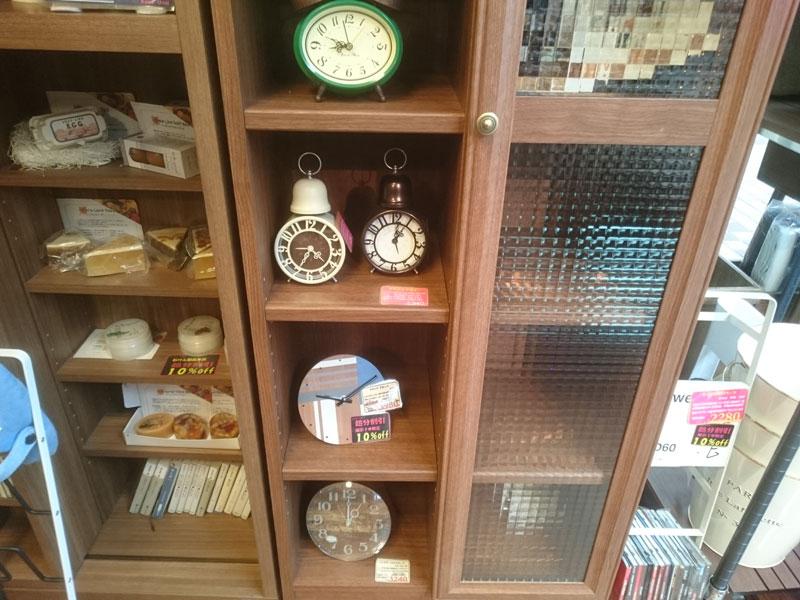 置き時計類展示2